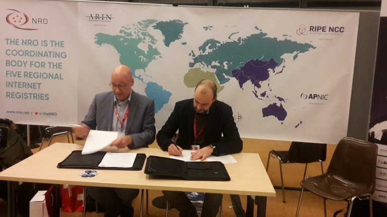 RIPENCC-CENTR-MoU-signing-20171218